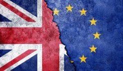 Brexit med Union Jack och EU flaggan
