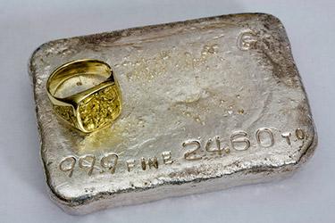 Guldring vs silvertacka