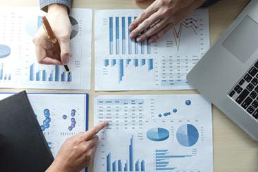 Jobbar med siffror och diagram