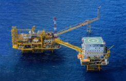 Oljeplattform i Atlanten