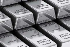 Silver tackor på rad