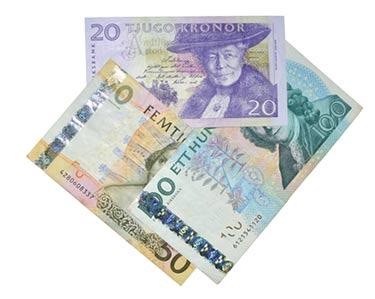 Svenska pengar på bordet