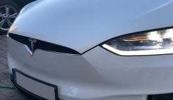 Tesla X framsida