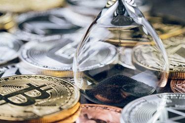 Tidsglas med kryptovalutor