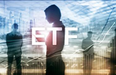 Tjej som tradar ETF'er