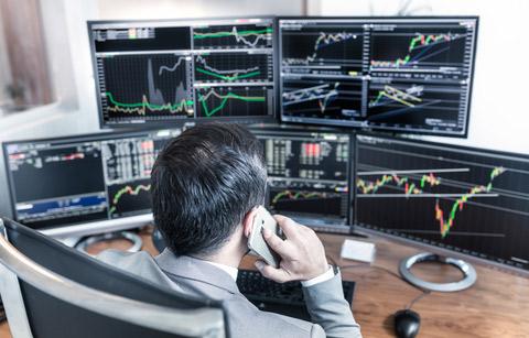 Index trading med 5 skärmar