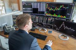 Valutahandlare som handlar hemifrån